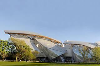 La construction du bâtiment de la Fondation Louis-Vuitton à Paris a en grande partie été financée par les réductions d'impôt accordées au titre du mécénat.