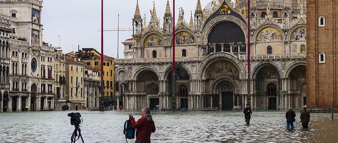 La place Saint-Marc de Venise inondée le 17 novembre.