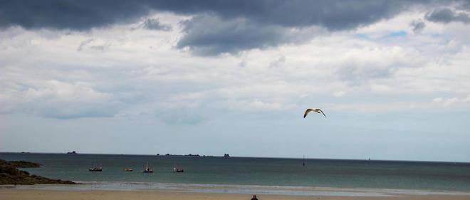 Le ciel s'assombrit davantage l'après-midi en Bretagne, annonçant l'arrivée de pluies faibles sur le Finistère en soirée.