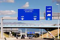 Comment la France et la Suisse gèrent l'afflux des demandeurs d'asile? Regards comparés entre deux pays de l'espace Schengen.