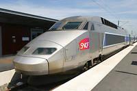 TGV en gare de Saint-Malo. Le dispositif de « facilités de transport » coûte plus de 200 millions d'euros à la SNCF.