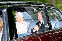 La reine Elizabeth II a montré son soutien à son fils Andrew en s'affichant à ses côtés pour se rendre à la messe près de Balmoral le 11 août.