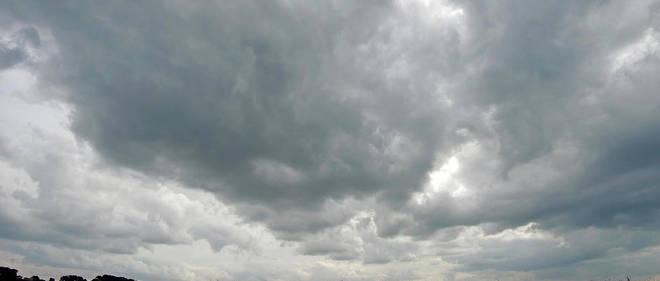 La grisaille sera bien installée sur une bonne moitié nord du pays dès le lever du jour.