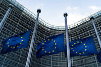 Selon la Commission, le déficit budgétaire français atteindra 2,2 % de son PIB en 2020 et 2021, mais l'effort structurel – c'est-à-dire l'effort fourni sans prendre en compte la conjoncture économique – reste trop faible.