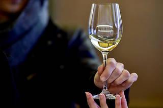 Emmanuel Macron aurait annoncé la décision lors d'une rencontre des représentants de la filière viticole. (Illustration)