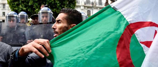 À quelques semaines de l'élection présidentielle, les manifestations contre le régime en place sont toujours d'actualité en Algérie.