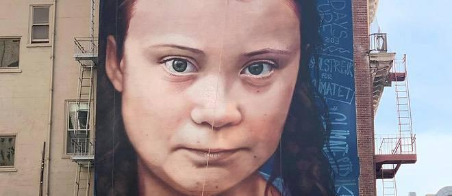 Le portrait de la jeune activiste Greta Thunberg est peint sur un mur entier de San Francisco.