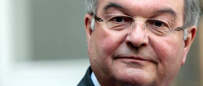 Michel Mercier est mis en cause pour avoir occupé la fonction de « tiers payant » qui consistait à payer les salaires des assistants des eurodéputés, selon une source proche du dossier.