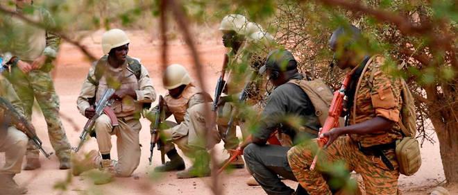Des militaires burkinabè lors d'un entraînement pour combattre le terrorisme en avril 2018.