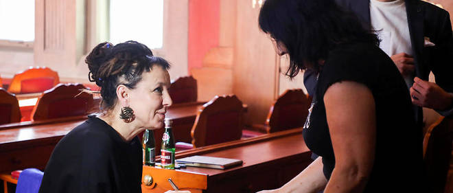 La romancière Olga Tokarczuk, Prix Nobel 2018 de littérature, est l'auteur polonais contemporain le plus traduit dans le monde. Son dernier livre paru en français,Les Livres de Jakób(Noir sur blanc), évoque un messie autoproclamé.