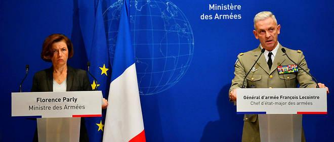 La ministre des Armées, Florence Parly, et le chef d'état-major des armées, le général Lecointre, lors de la conférence de presse du 26 novembre à Paris.