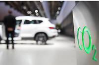 <p>Le CO2 est devenu le critère numéro 1 des constructeurs et demain, au moment du choix, celui des consommateurs qui le placeront avant le design, la puissance, le prix.</p>