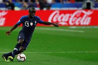 Toujours aussi précieux à Chelsea et en équipe de France, N'Golo Kanté ne semble pas affecté sur le terrain par cette affaire.