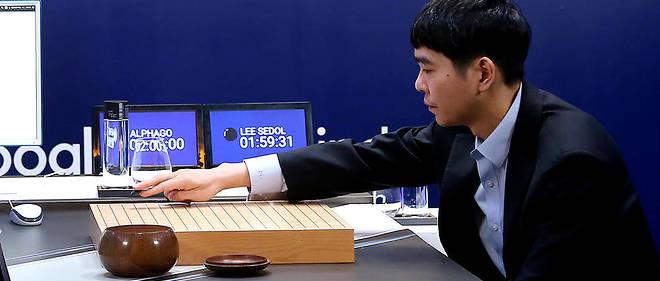 En 2016, Lee Sedol avait réussi à remporter une victoire contre AlphaGo, l'intelligence artificielle de Google.
