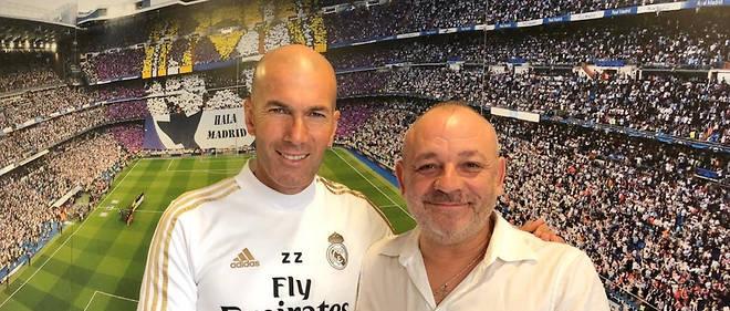 Frédéric Hermel (à droite) a rencontré Zidénine Zidane (à gauche) en 2001. Entre le journaliste et le footballeur s'est nouée une relation très forte. De cette histoire est né un livre.