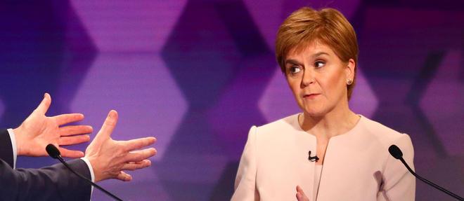 Si Nicola Sturgeon compte sur son punch pour l'emporter, cette séductrice sait aussi charmer.