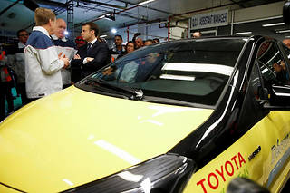 Toyota, Audi, BMW... en quoi roulent les électeurs de Macron, Le Pen et Fillon