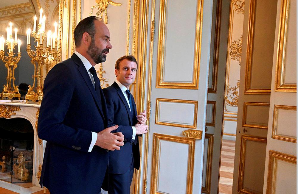 Première ligne. Emmanuel Macron et son Premier ministre, à l'Elysée, le 27novembre.