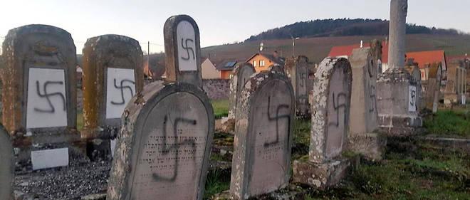 Des tombes profanées dans le cimetière juif de Westhoffen.