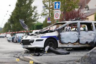 le 8 octobre 2016, des policiersont été pris d'assaut par une vingtaine de jeunes et pris au piège dans leurs véhicules.