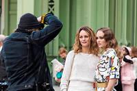 Vanessa Paradis etLily-Rose Depp au défilé Chanel Croisière, le 3 mai 2019, à Paris.