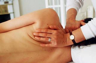 70 % des répondants à cette enquête ont déjà fait appel à ces thérapies et s'en déclarent majoritairement satisfaits ; le taux atteint même les 92 % pour l'ostéopathie.
