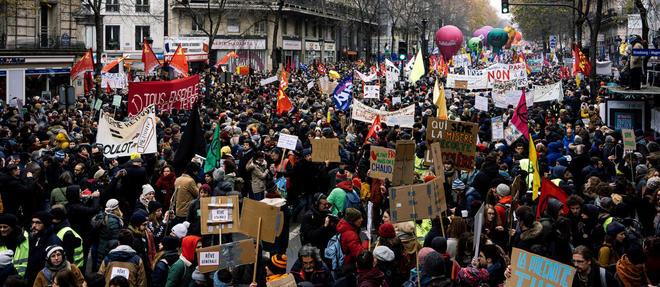 Entre 800 000 et 1,5 million de manifestants ont défilé jeudi 5 décembre.