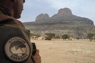 L'opération antijihadiste française Barkhane, qui a succédé à Serval en 2014, mobilise 4 500 militaires dans la bande sahélo-saharienne.