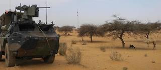 Patrouille de soldats français engagés dans l'opération Barkhane, à Gossi, dans le centre du Mali.