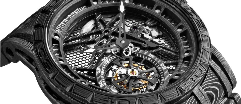 "<p style=""text-align:justify"">Roger Dubuis Excalibur Spider Carbon<sup>3</sup>. Modele << Edition Boutique >>, serie limitee a 28 exemplaires.</p>"