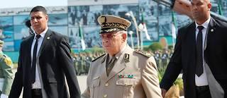 Pas une semaine sans que le général Ahmed Gaïd Salah ne sillonne l'Algérie et ne s'adresse aux Algériens, alternant menaces et apaisement...