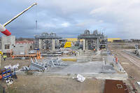 Capture d'écran de la webcam du consortium GeoVen à Vendenheim (Bas-Rhin). On y distingue des ouvriers. La comparaison avec des captures antérieures montre, par ailleurs, des mouvements de grue.