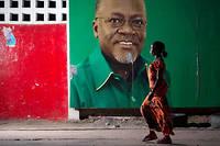 Le président John Magufuli est accusé de restreindre progressivement les libertés depuis son élection à la tête du pays en 2015,