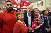 Jeremy Corbyn tout sourire à Dudley, le 21 novembre 2019. Mais le résultat du scrutin pourrait faire passer l'envie de rire aux travaillistes.