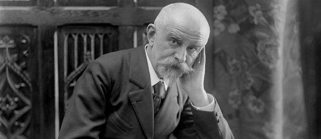 Joris-Karl Huysmans (1848-1907), photographié par Boissonnas et Taponier en 1905.
