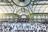 Le Grand Palais transformé en patinoire géante.