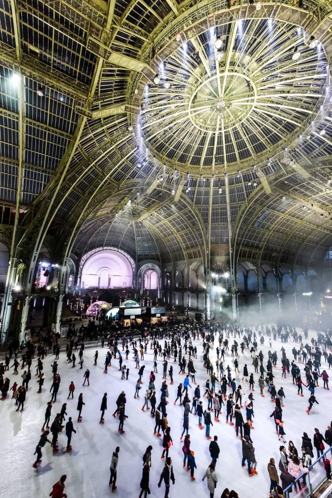 La plus grande patinoire au monde est de retour à Paris!