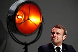 « De toute façon, je ne déciderai pas aujourd'hui », a fait savoir le chef de l'État à ses convives ministres dimanche soir.