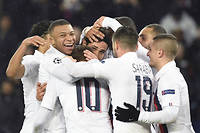 Ultra-dominateurs, les Parisiens ont écrasé Galatasaray(5-0).