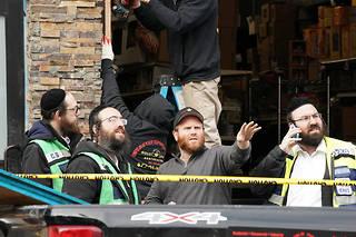 Les tireurs ont délibérément visé une épicerie casher lors de la fusillade de Jersey City, selon le maire.