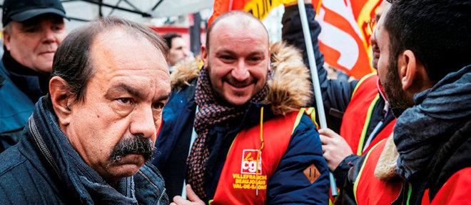 Philippe Martinez, secrétaire général de la CGT (à g.), parmi des militants de son syndicat, à la manifestation parisienne du 7décembre.  ©Mathieu Menard