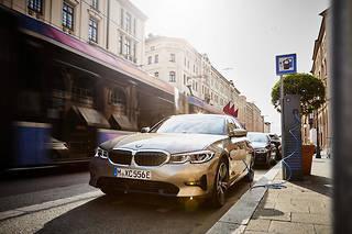 Les ventes de BMW Group ont progressé de 2,9 % en novembre mais de 18, 4 % pour les seuls modèles électrifiés, ici une Série 5