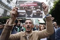 Une véritable marée humaine a envahi, encore une fois, le centre d'Alger pour conspuer le nouveau chef de l'État, au lendemain d'un scrutin boycotté par le mouvement de contestation.