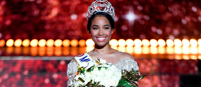 Newly elected Miss France 2020 Miss Guadeloupe Clemence Botino poses at the end of the Miss France 2020 beauty contest in Marseille, on December 14, 2019. (Photo by CHRISTOPHE SIMON / AFP) / RESTRICTED TO EDITORIAL USE - NO MARKETING - NO ADVERTISING CAMPAIGNS