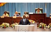 Dans une ambiance survoltée, le président Félix Tshisekedi a esquissédes pistes anticorruption en RDCoù les détournements, le blanchiment et les fraudes ont préoccupé toute la semaine le FMI, l'UE et la société civile.
