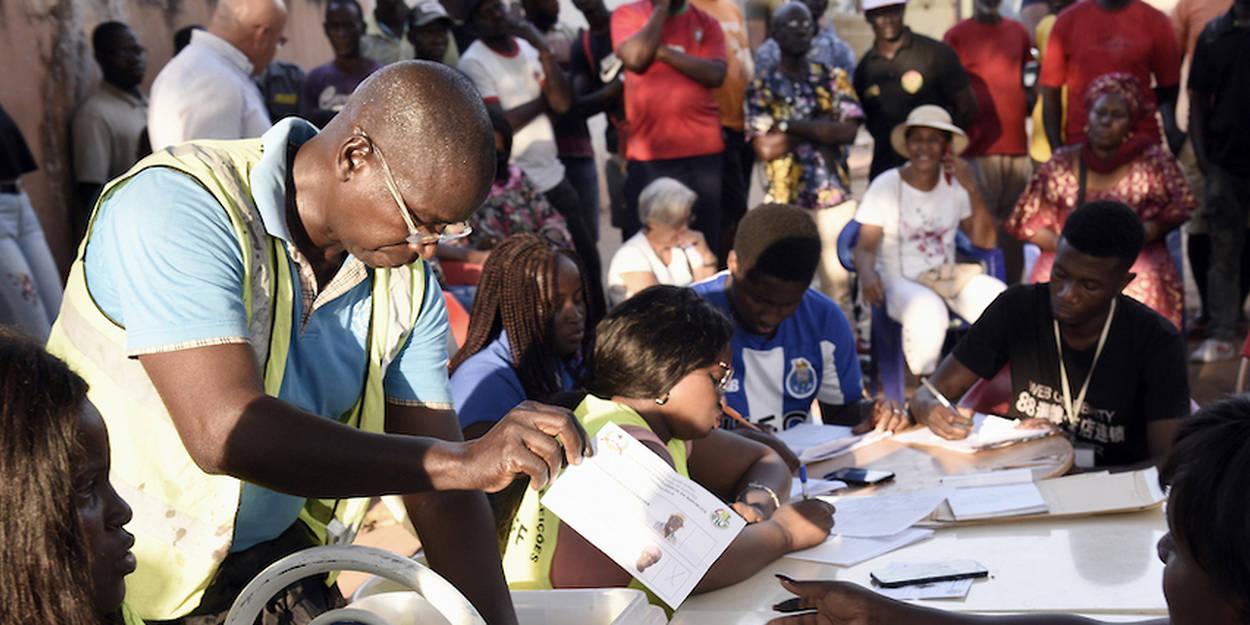Afrique : la démocratie garantit-elle le développement ? - Le Point