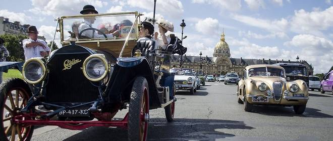 L'automobile ancienne a su faire admettre son role crucial de protection du genie francais et Retromobile lui consacre une fois l'an a Paris un salon de portee internationale.