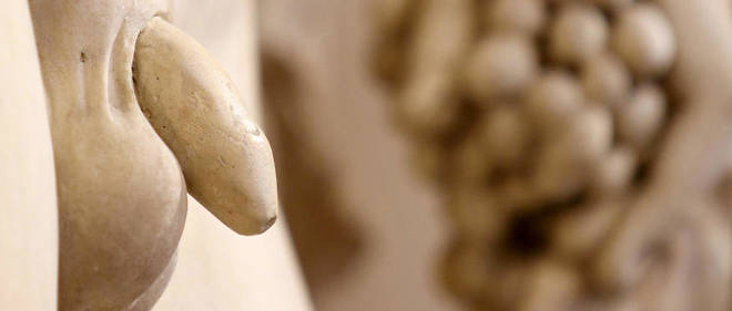 Detail d'une statue au musee du Louvre. (Photo d'illustration)