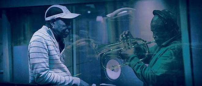 Hugh Masekela et Tony Allen en action.