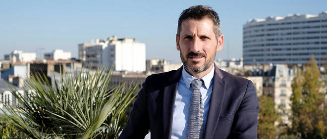 Matthieu Orphelin, depute et ex-membre de LREM, sur la terrasse du Point en novembre 2018.